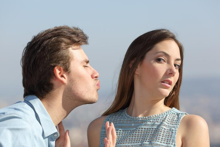Things Guys Do That Immediate Disqualify Them as Boyfriends