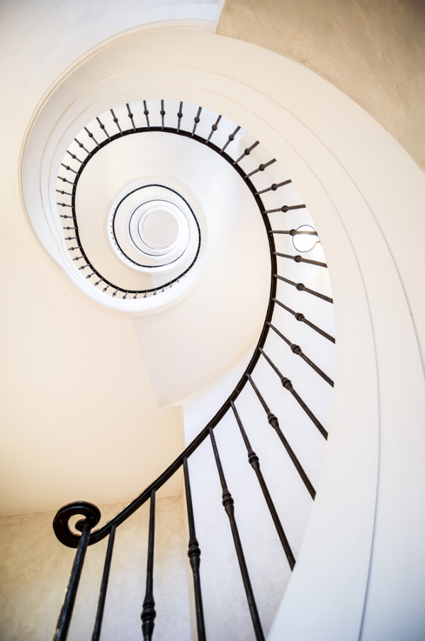 How to decorate an awkward staircase