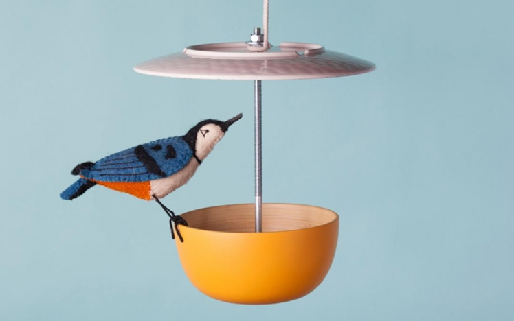 Dinnerware Bird Feeder
