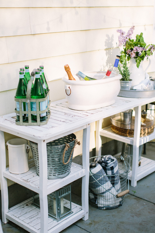 Action Stations are one of the most easy Ideas for Entertaining Guests Outdoors