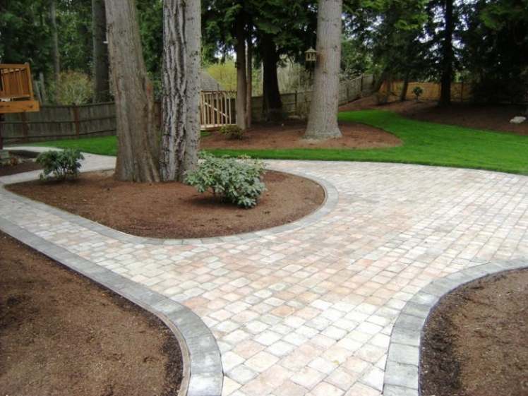10 high impact landscaping ideas for instant curb appeal for Bricks design for landscape