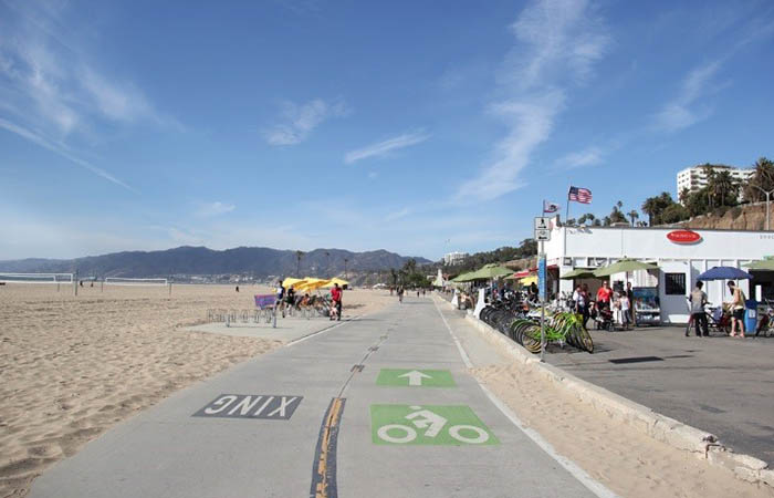 Bicycling bar crawl in Santa Monica