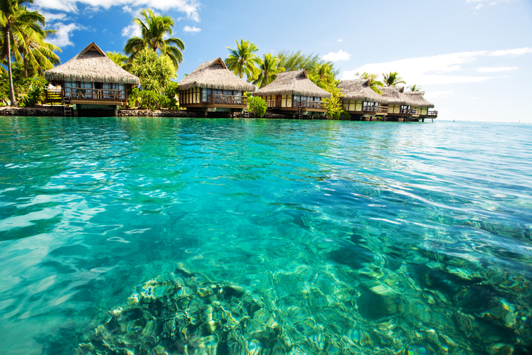 Bora Bora-clear water