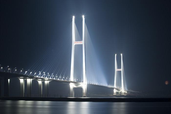 Jingyue Bridge in Jingzhou