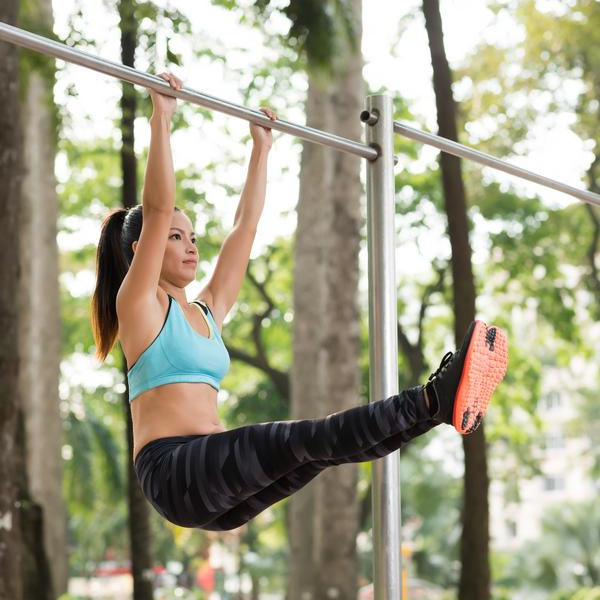 Hanging Leg Raise With Straps 10 Tips to Tone Your S...